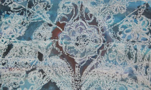 В студії образотворчого мистецтва вчились  малювати зимові квіти, використовуючи техніку малюнку парафінової свічки на папері